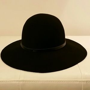 Nordstrom black hat wide brim fedora EUC